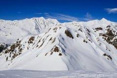 Paisagem do inverno nos cumes de Lepontine Imagem de Stock