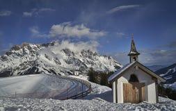 Paisagem do inverno, região de Hochkönig, Áustria foto de stock