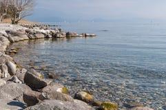 Paisagem do lago Garda do sul Garda de Padenghe, Bríxia, Itália Imagens de Stock Royalty Free