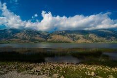 Paisagem do lago mountain Imagens de Stock Royalty Free