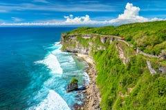 Paisagem do lugar do oceano e das rochas, o colorido e o bonito, Bali, Indonésia imagens de stock