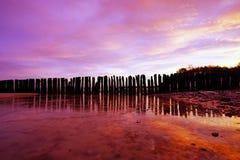 Paisagem do mar durante o nascer do sol, costa Báltico, Kolobrzeg, Polônia fotos de stock