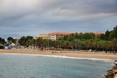 Paisagem do mar e do céu na Espanha de Cambrils Fotos de Stock Royalty Free
