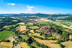 Paisagem do Massif Central, uma região das montanhas em França foto de stock royalty free