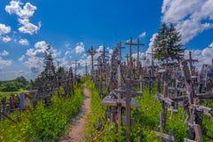Paisagem do monte das cruzes, kalnas de Kryziu, Lituânia imagem de stock royalty free