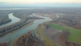 Paisagem do outono da beira do lago video estoque