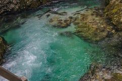 Paisagem do outono da natureza Cachoeira em Soteska Vintgar Eslovênia Foto de Stock Royalty Free