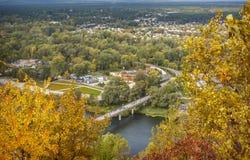 Paisagem do outono, vista da cidade de uma altura Foto de Stock Royalty Free