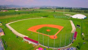 Paisagem do panorama da opinião aérea de campos de basebol imagem de stock