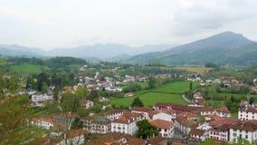 Paisagem do Pays Basque, Saint Jean Pied de Port no sul de Fran?a vídeos de arquivo