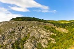 Paisagem do platô do desfiladeiro de Jelasnica na tarde ensolarada do outono imagem de stock royalty free