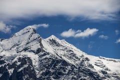 Paisagem dos cumes das montanhas fotografia de stock