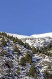 Paisagem dos pyrenes do inverno perto da vila de Canillo andorra Fotos de Stock