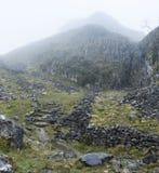 Paisagem dramática de Autumn Fall de montes rochosos em vales de Yorkshire Imagens de Stock Royalty Free