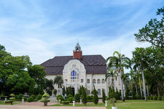 Paisagem e arquitetura bonitas de Phra Ram Ratchaniwet Palace imagem de stock
