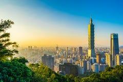 Paisagem e arquitetura da cidade bonitas de taipei constru??o e arquitetura de 101 na cidade imagens de stock