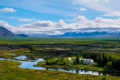 Paisagem e igreja de Islândia Fotografia de Stock Royalty Free