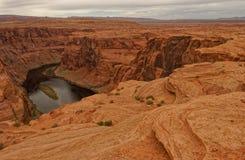 Paisagem em ferradura da curvatura, o Rio Colorado, o Arizona fotografia de stock