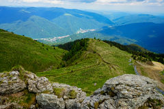 Paisagem em montanhas de Bucegi, Romênia Imagens de Stock