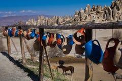 Paisagem ensolarada de montanhas de Cappadocia Imagem de Stock Royalty Free