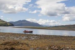 Paisagem escocesa, lagos, uísque, tartã e kilts imagem de stock