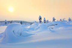 Paisagem grande do por do sol do inverno da neve fotos de stock royalty free