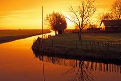 Paisagem holandesa típica no campo dos Países Baixos fotos de stock royalty free