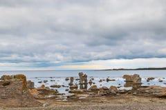 Paisagem icónica do rauk em Gotland fotos de stock royalty free