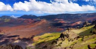 A paisagem impressionante da cratera do vulcão de Haleakala tomada em Kalahaku negligencia na cimeira de Haleakala, Maui, Havaí Imagens de Stock Royalty Free