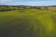 Paisagem impressionante da exploração agrícola no nascer do sol fotografia de stock