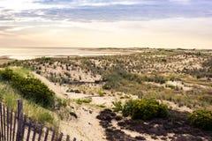 Paisagem impressionante da praia no por do sol Imagens de Stock Royalty Free