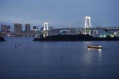 Paisagem Japão da ponte do arco-íris Baía do Tóquio foto de stock royalty free