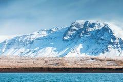 Paisagem litoral da montanha, montanha nevado imagem de stock royalty free