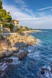 Paisagem litoral espanhola agradável perto da vila Sagaro imagem de stock