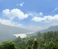 Paisagem mágica com vale tropical Foto de Stock