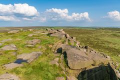 Paisagem máxima do distrito na borda de Stanage, Derbyshire, Inglaterra, Reino Unido fotos de stock