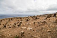 A paisagem marciana bonita e incomum da fuga popular trekking, caminhar e andar na ilha de Madeira - a maioria de eas fotos de stock
