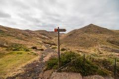 A paisagem marciana bonita e incomum da fuga popular trekking, caminhar e andar na ilha de Madeira - a maioria de eas imagens de stock royalty free