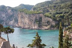 Paisagem marinha Mar Ionian Paleokastritsa Console de Corfu Greece fotos de stock royalty free