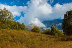 A paisagem montanhosa O Cáucaso Foto de Stock Royalty Free