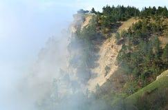 Paisagem nebulosa da montanha Fotos de Stock Royalty Free