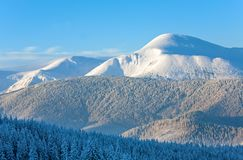 Paisagem nevado da montanha do nascer do sol Foto de Stock Royalty Free