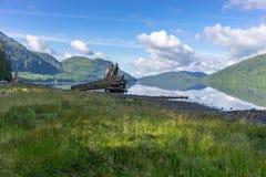Paisagem no Columbia Britânica do lago Nitinat, Canadá da manhã Imagem de Stock Royalty Free