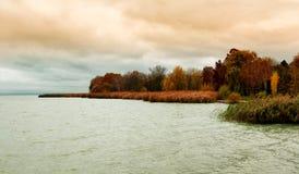 Paisagem no outono no lago Balaton Imagem de Stock Royalty Free