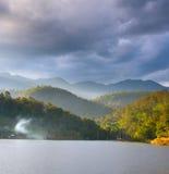 Paisagem norte de Tailândia do lago Foto de Stock Royalty Free