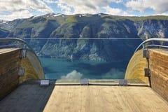 Paisagem norueguesa do fjord Ponto de vista de Stegastein Aurland visita Fotos de Stock Royalty Free