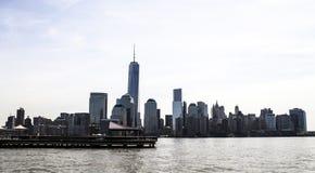 Paisagem nos EUA, tarde da skyline de New-jersey com luz solar foto de stock