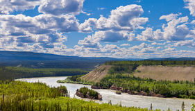 Paisagem o Rio Yukon Canadá de cinco corredeiras do dedo Imagens de Stock Royalty Free