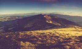 Paisagem panorâmico da montanha na manhã Fotografia de Stock