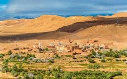Paisagem perto da vila de Ait Ben Haddou em Marrocos Foto de Stock